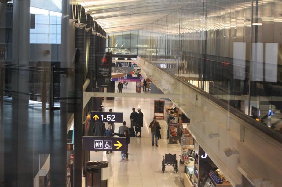 Quand on se présente à l'aéroport, il est... (Photo Martin Chamberland, Archives La Presse)