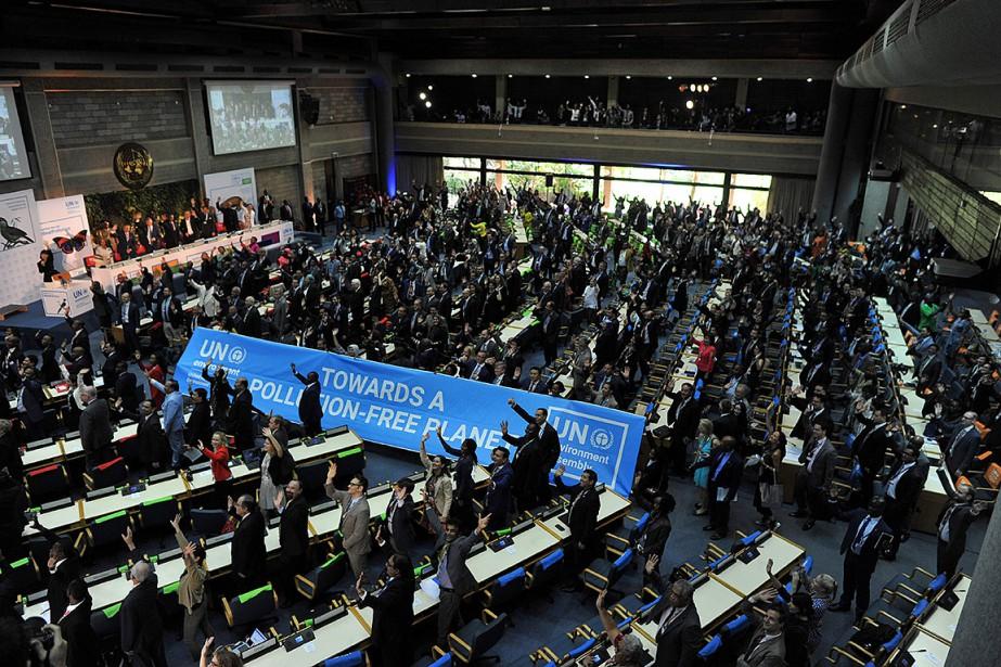 Les représentants des gouvernements et autres délégués sont... (TONY KARUMBA, AFP)