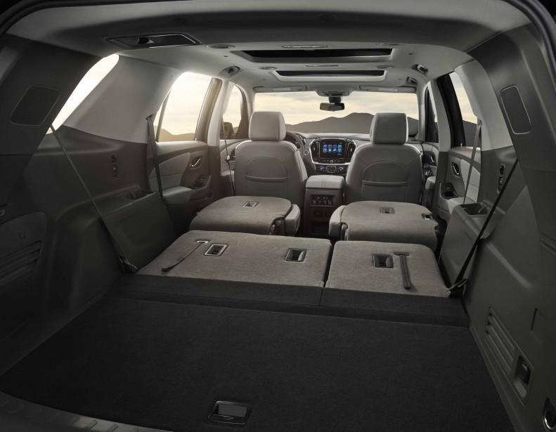 Avec les sièges arrière rabattus, le Traverse semble aussi grand qu'un qu'un aréna. (Photo : Chevrolet)