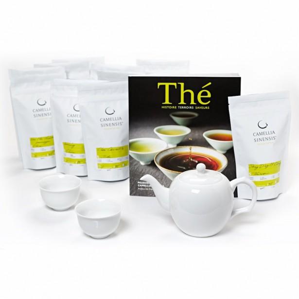 ENSEMBLE DE DÉPART - THÉS CAMELLIA SINENSIS   Un assortiment «clé en main» pour découvrir le plaisir des thés. Comprend 10 thés Camellia Sinensis de provenances et de styles variés, une théière blanche avec ses tasses assorties ainsi qu'un livre sur le thé. Chaque sac contient 50 g de thé.Le parfait ensemble de départ pour le thé, 185 $, Camellia Sinensis | 6 décembre 2017