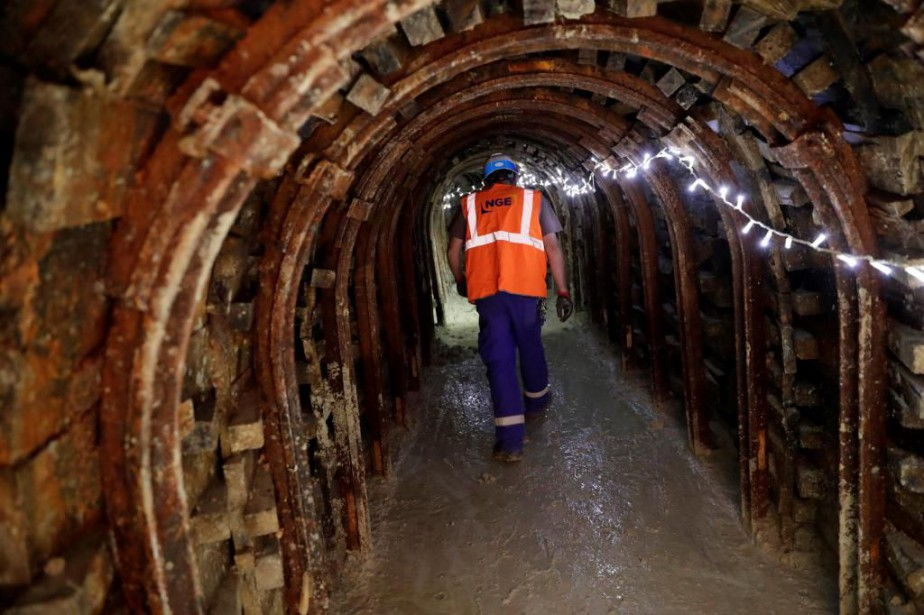 Le Grand Paris Express, immense réseau souterrain d'une... (PHOTO THOMAS SAMSON, ARCHIVES LA PRESSE)