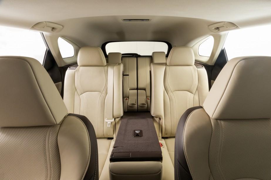 Lexus vient de dévoiler le format familial de son multisegment RX: le RXL....