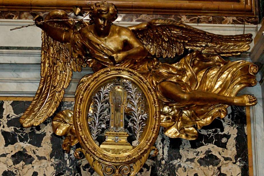 L'avant-bras droit de Saint-François-Xavier est habituellement conservé dans... (Photo provenant de Wikimedia)