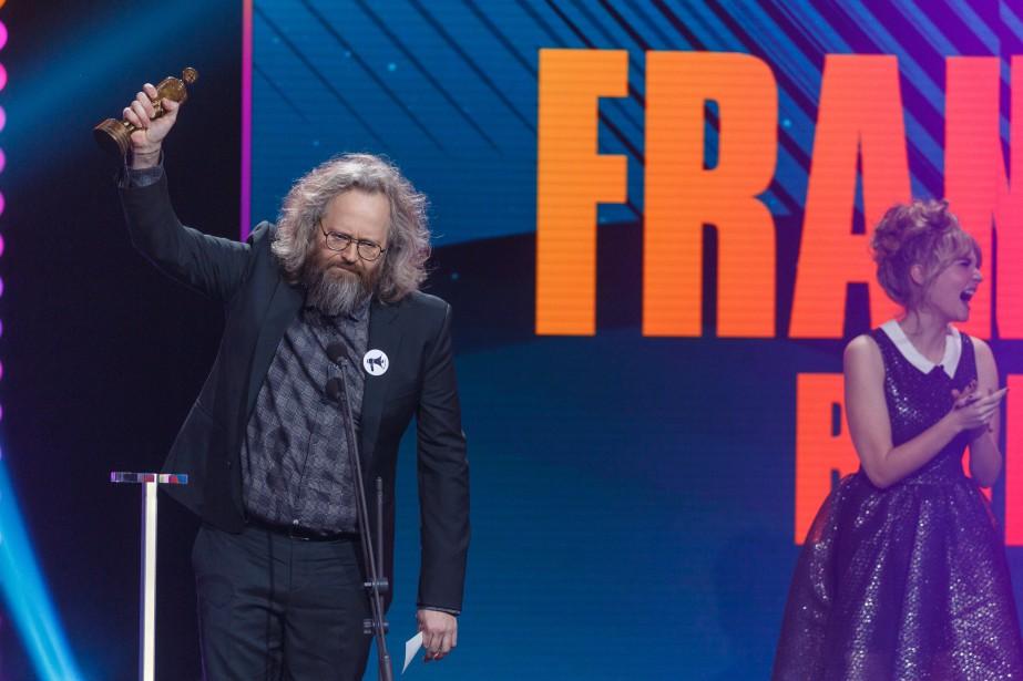 François Bellefeuille est le lauréat de l'Olivier du spectacle d'humour/meilleur vendeur de l'année. | 10 décembre 2017