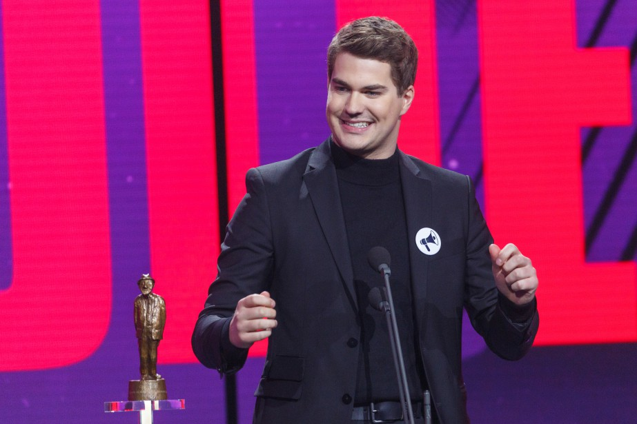 Julien Lacroix a remporté trois prix ce soir :Numéro d'humour de l'année,Capsule ou sketch web humoristique de l'année etDécouverte de l'année. | 10 décembre 2017