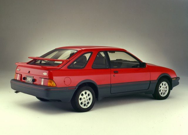 SA PIRE VOITURE - Une Ford Merkur XR4Ti 1985 formidable à conduire mais souvent chez le concessionnaire, en réparation, et fort heureusement couverte par la garantie.   | 11 décembre 2017