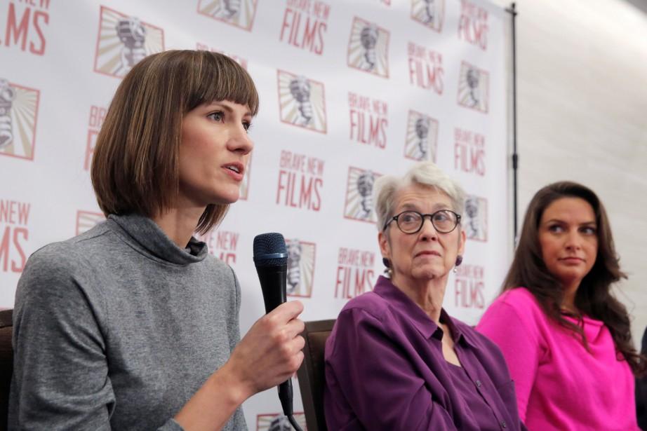 Rachel Crooks prend le micro lors d'une conférence... (PHOTO REUTERS)