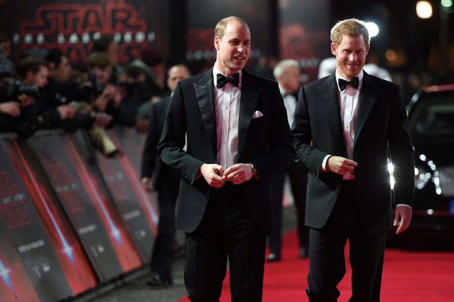Les princes William et Harry se sont joints... (Photo Reuters)