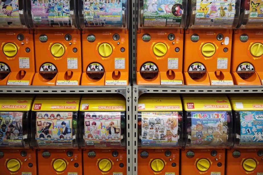 Ringardes, les capsules avec des mini-jouets surprise à... (Photo AFP)