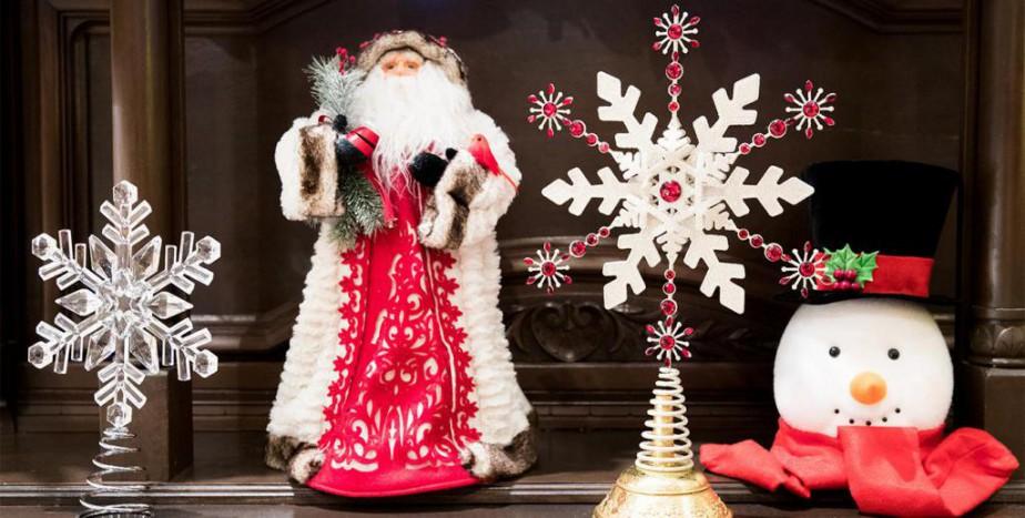 Le choix de décorations pouvant orner la cime des sapins s'élargit, peut-on constater dans des boutiques spécialisées comme NoëlÉternel, dansleVieux-Montréal. | 14 décembre 2017