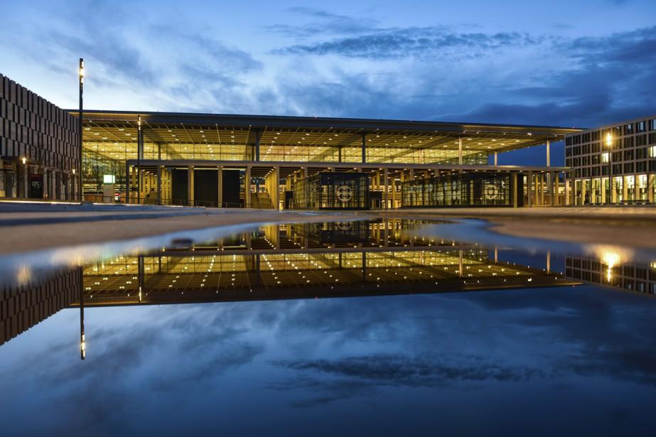 L'ouverture de l'aéroport international de Berlin (BER) pourrait... (Photo AP)