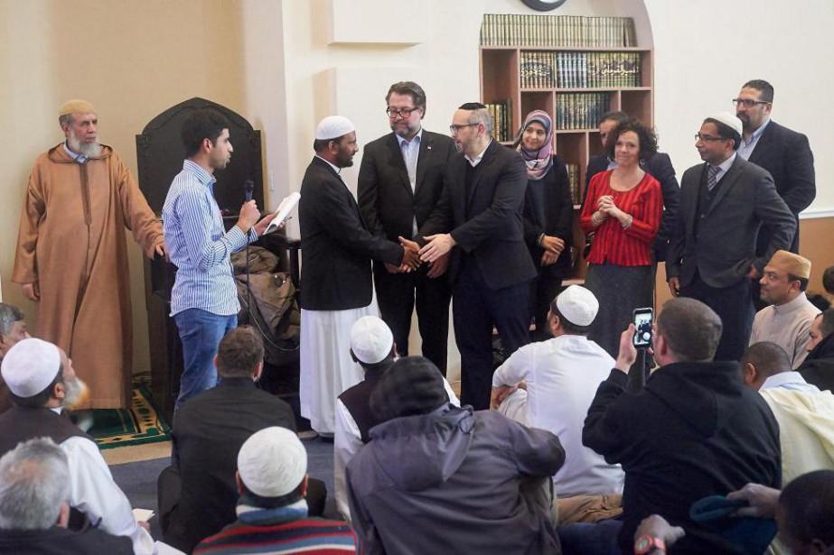 Des politiciens, dont le ministre québécois de l'Immigration... (Photo André Pichette, La Presse)