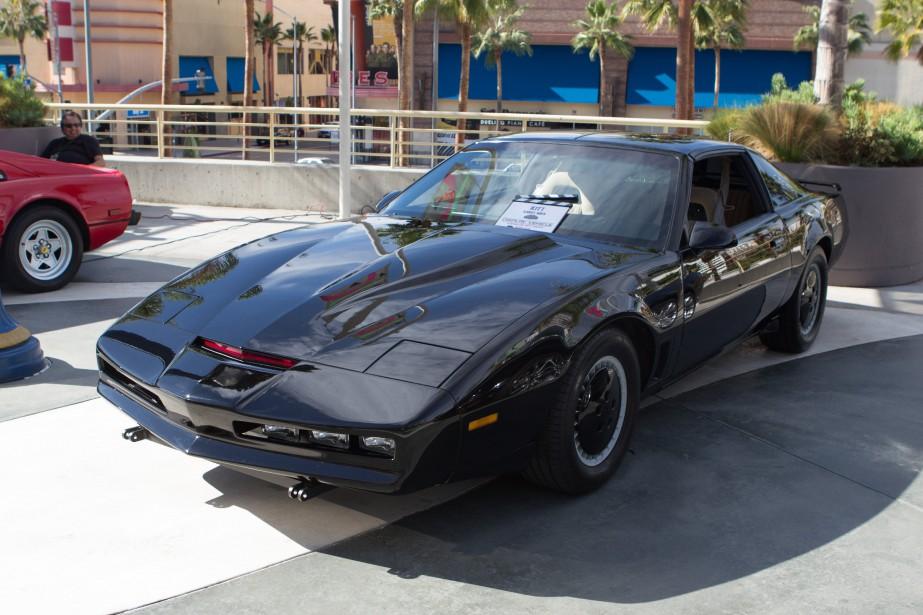 La voiture qui a marqué son enfance - La voiture ultra-perfectionnée KITT, dotée du «turbo-boost» dans la série de télévision américaineK2000. | 18 décembre 2017