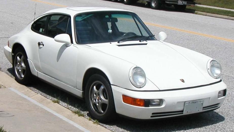 La voiture de ses rêves -  Une Porsche 911 des années-modèles entre 1989 et 1992 «une des plus belles voitures» jamais construite, d'après lui. Il en rêve depuis son enfance. | 18 décembre 2017