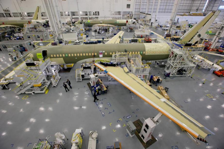 Bombardier devait normalement livrer à Delta son premier... (PHOTO DAVID BOILY, ARCHIVES LA PRESSE)