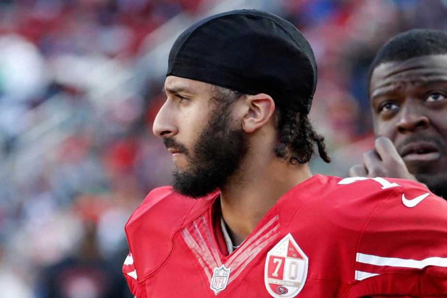 Colin Kaepernick souhaite devenir actionnaire des Panthers de... (Photo Tony Avelar, archives Associated Press)