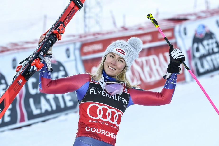 L'Américaine Mikaela Shiffrin célèbre après avoirremporté le slalom... (Photo Philippe Desmazes, AFP)