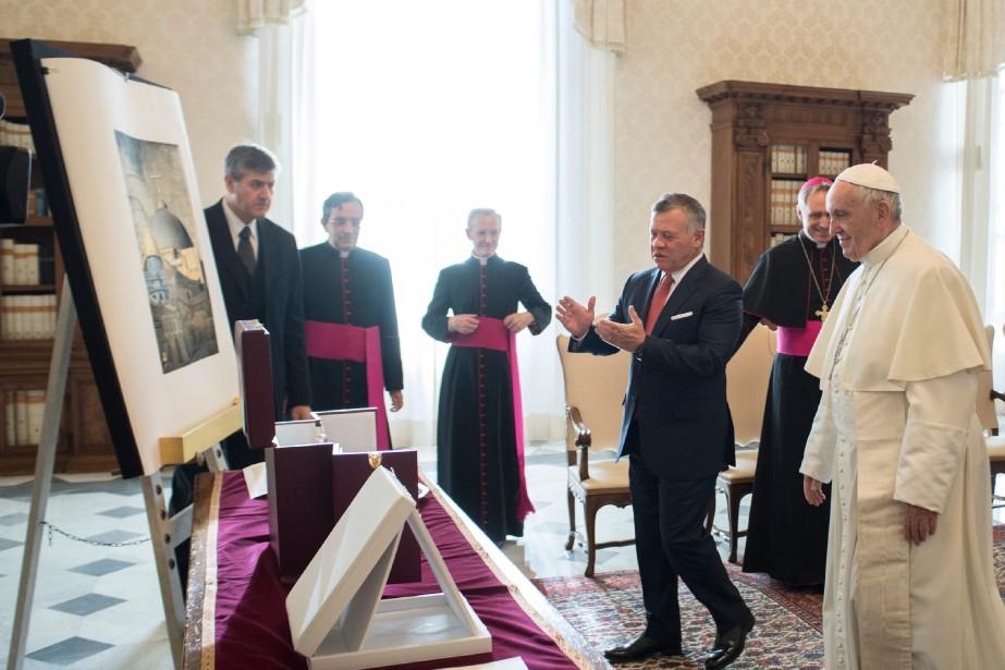 Le Vatican a évoqué des «conversations cordiales» entre... (PHOTO AP)