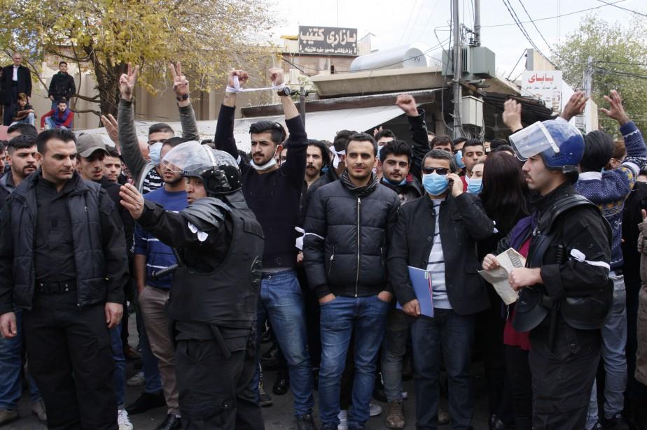 Les protestations ont entrainé une crise institutionnelle sans... (Photo SHWAN MOHAMMED, Agence France-Presse)