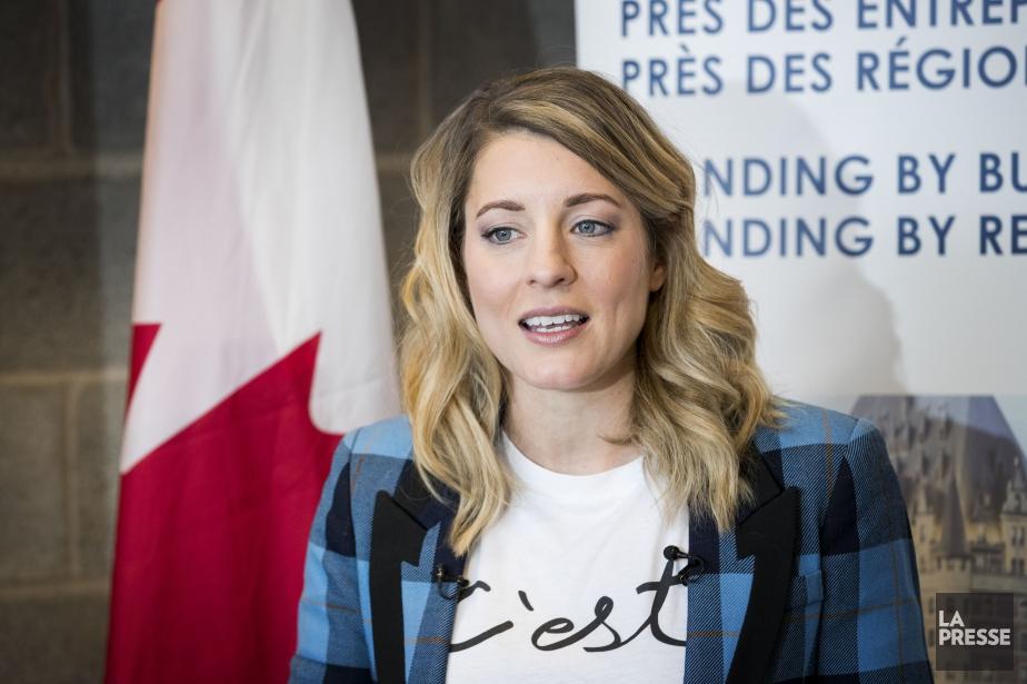 La ministre du Patrimoine canadien, Mélanie Joly... (PHOTO MARCO CAMPANOZZI, LA PRESSE)