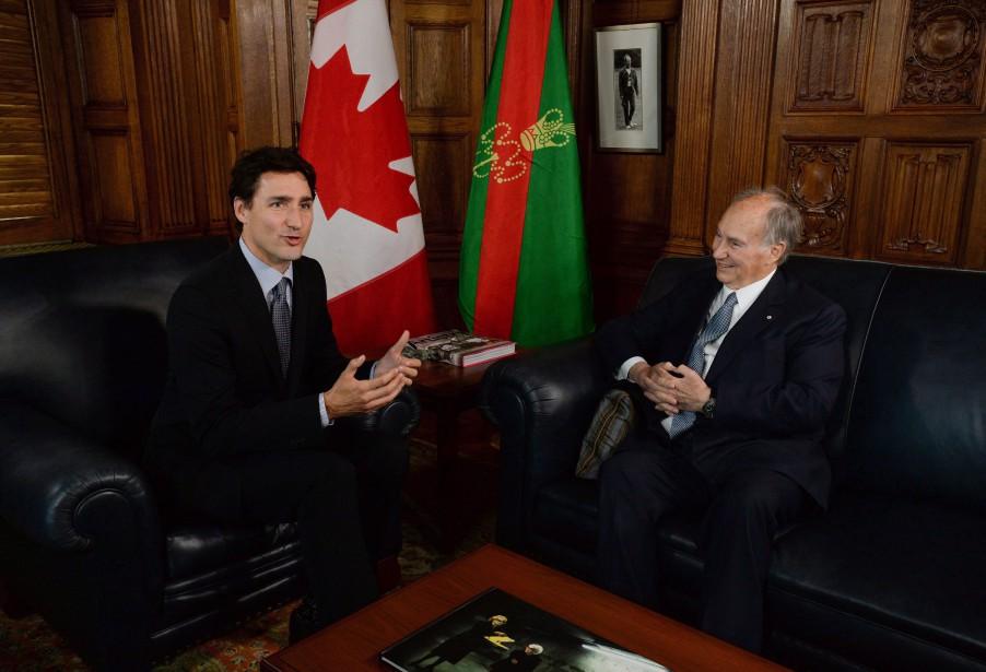 Justin Trudeau et l'Aga Khan lors d'une rencontre... (PHOTO SEAN KILPATRICK, ARCHIVES LA PRESSE CANADIENNE)