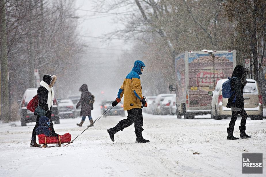 Selon MétéoMédia, entre 5 et 10centimètres de neige... (PHOTO PATRICK SANFAÇON, ARCHIVES LA PRESSE)