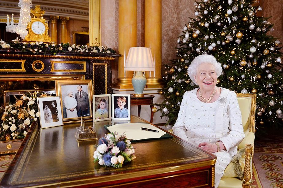 Sa Majesté souligne en particulier le «courage» et... (John Stillwell, REUTERS)