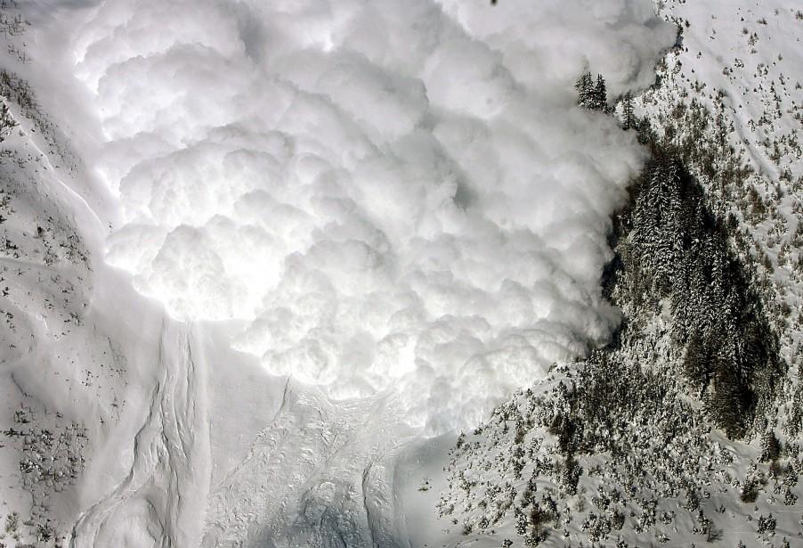 Des avalanches se produisent à l'occasion dans les... (Dominique Favre, archives Reuters)