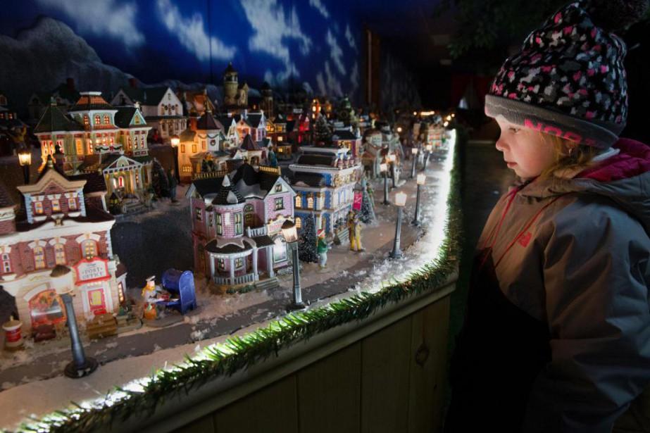 Plus de 600 maisons miniatures sont exposées dans... (Photo Robert Skinner, La Presse)