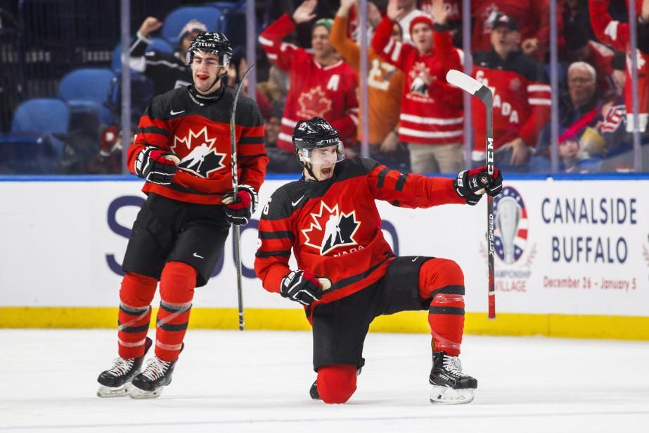 Taylor Raddysh célèbre son but après avoir marqué... (PHOTO Mark Blinch, LA PRESSE CANADIENNE)