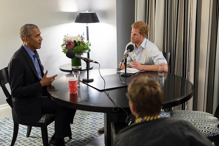 Le prince Harry a interviewé l'ancien président américain... (KENSINGTON PALACE, THE OBAMA FOUNDATION VIA AFP)