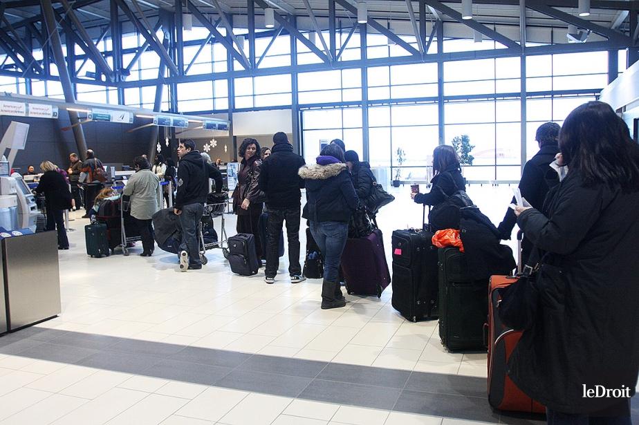 Une photo de l'aéroport international MacDonald-Cartier d'Ottawa.... (Etienne Ranger, archives LeDroit)