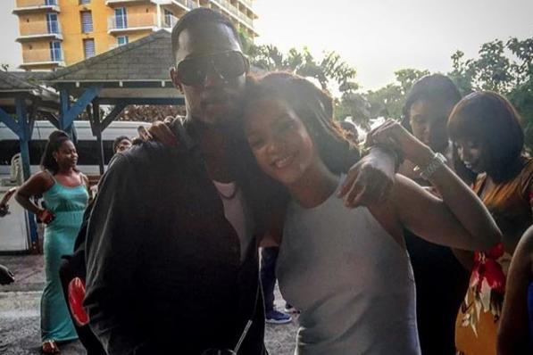 Rihanna a publié une photo d'elle en compagnie... (PHOTO TIRÉE D'INSTAGRAM)