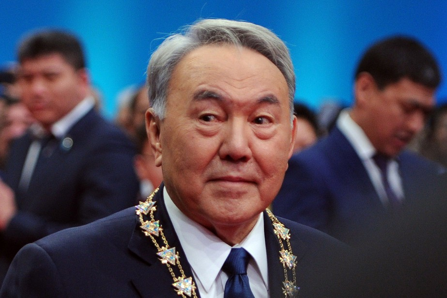 Le président kazakh Noursoultan Nazarbaïev... (PHOTO ILYAS OMAROV, ARCHIVES AFP)