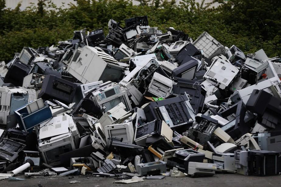 Selon la loi française, «l'obsolescence programmée se définit... (PHOTO AFP)