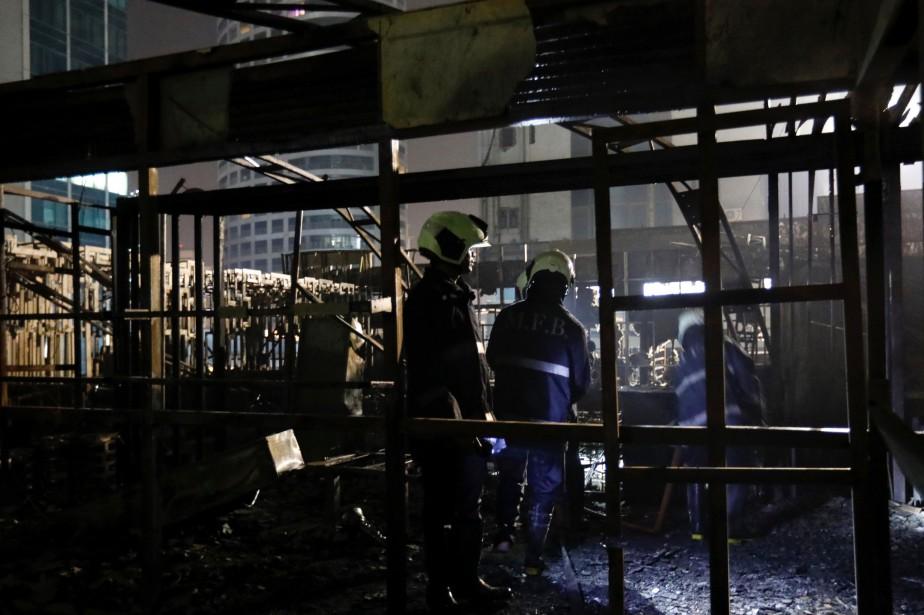 L'incendie s'est déclaré vers minuit et demi dans... (PHOTO REUTERS)
