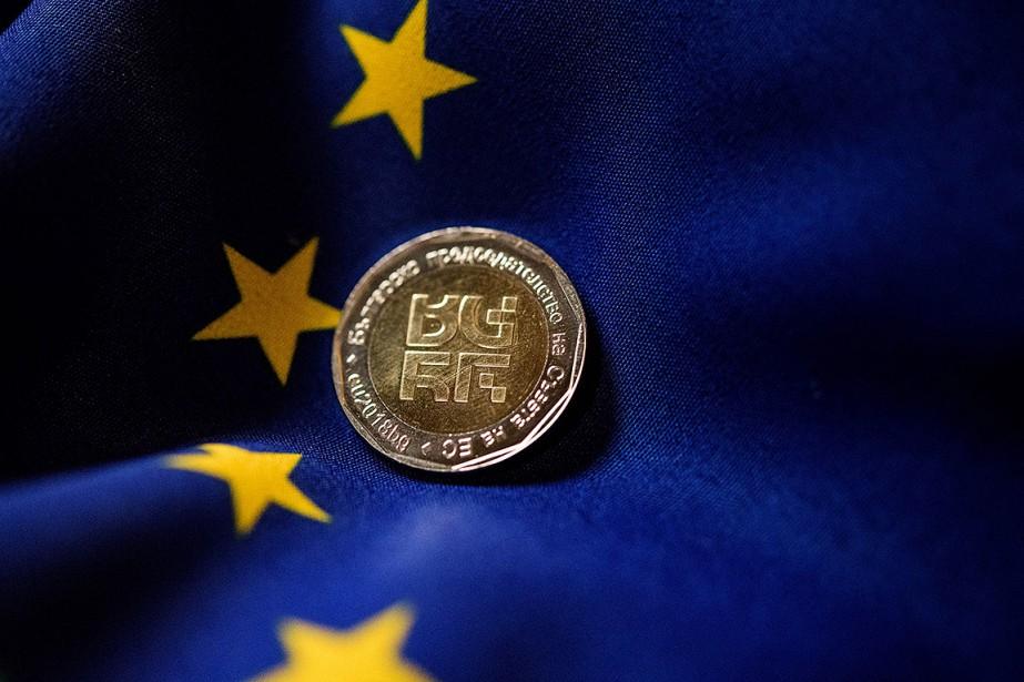 La Bulgarie a créé une pièce de monnaie... (Dimitar DILKOFF, AFP)