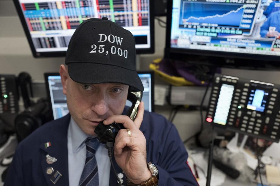 Le Dow Jones a ainsi franchi la barre... (PHOTO AP)