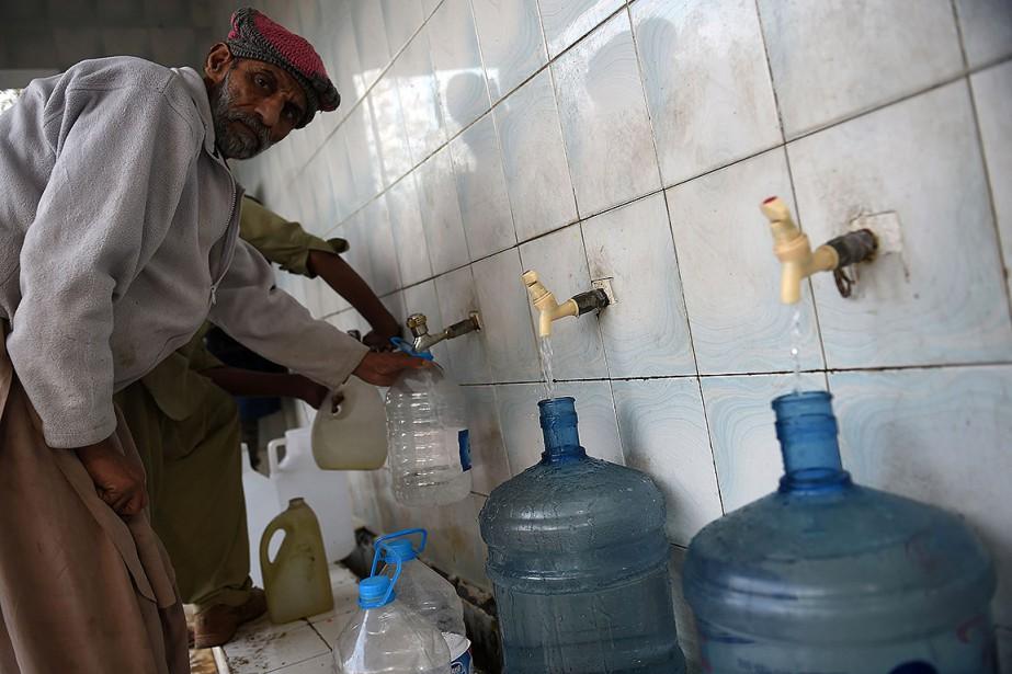 Chaque année, 53000 enfants pakistanais meurent de diarrhée... (Farooq NAEEM, AFP)