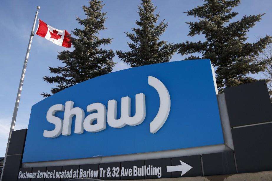 L'action de Shaw Communications retraitait jeudi, en début... (THE CANADIAN PRESS)