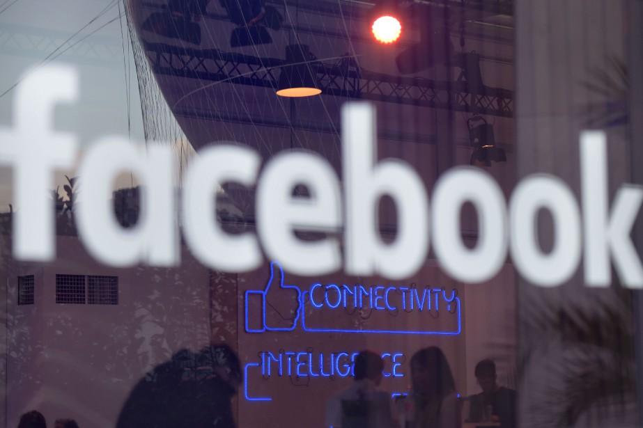 Facebook a souligné qu'il s'était engagé à «retirer... (Photo archives AFP)
