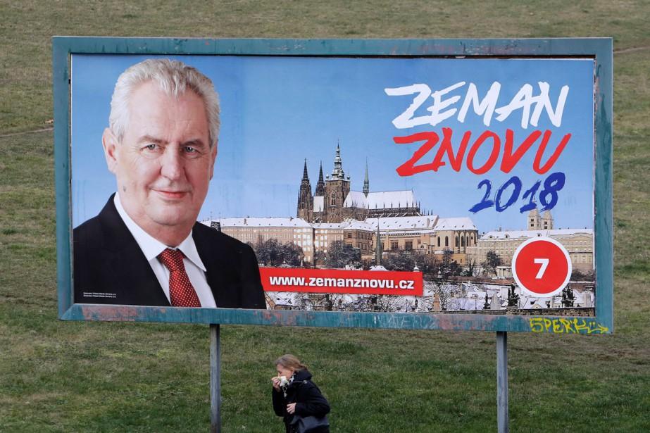 Le président sortant tchèque, Milos Zeman est connu... (PHOTO DAVID W CERNY, REUTERS)