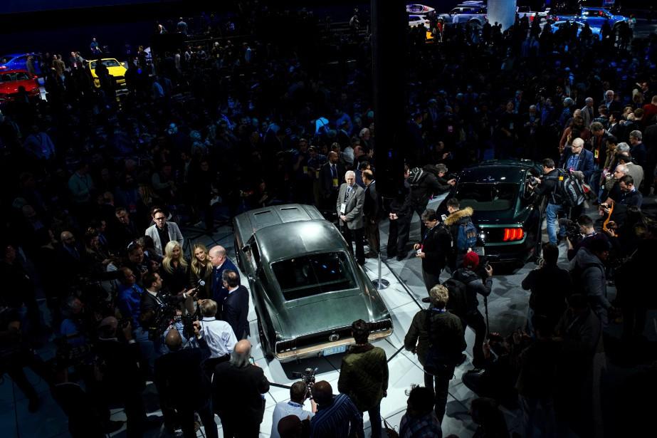 Ford a présenté la Mustang Bullitt 2019 aux côtés de la Mustang fastback originale, pilotée par Steve McQueen dans les plans rapprochés de la scène de poursuite du film Bullitt. (The Flint Journal-MLive.com via AP)