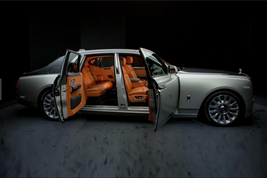 La Rolls-Royce Phantom 2018 : 2500 kg d'opulence ostentatoire.... | 2018-01-19 00:00:00.000