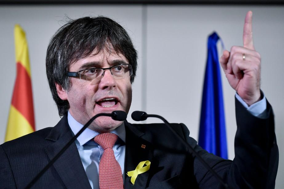Le parquet général considère quel'ex-président indépendantiste catalan CarlesPuigdemont... (PHOTO JOHN THYS, AFP)