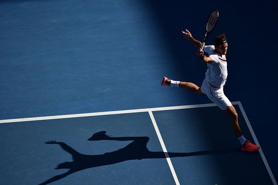 Roger Federer lors du match contre Marton Fucsovics.... (PETER PARKS, AFP)