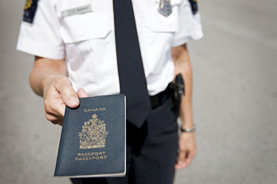 À la fin de juin 2017, le passeport... (PHOTO ANNE GAUTHIER, ARCHIVES LA PRESSE)