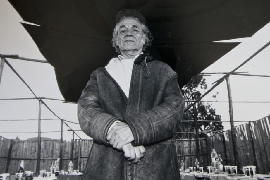 Nicanor Parra en 2001... (PHOTO ARCHIVES AP)