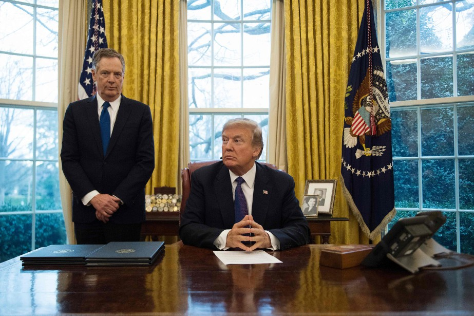 Le président Donald Trump et le représentant au... (Photo JIM WATSON, AP)