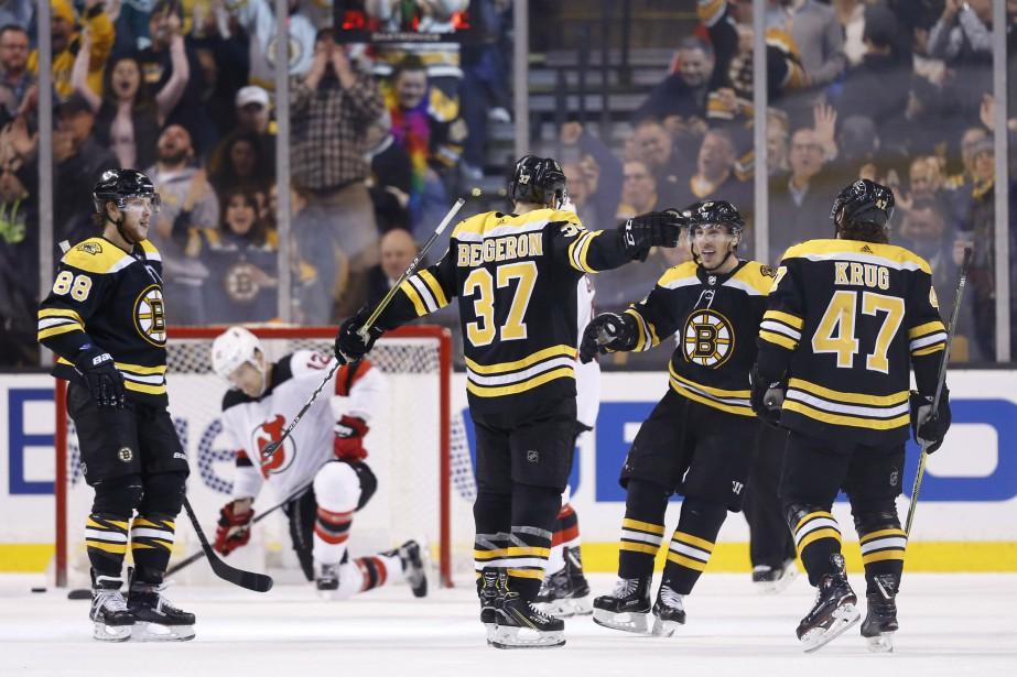 Brad Marchand a récolté un but et une aide et les Bruins de... (PHOTO REUTERS)